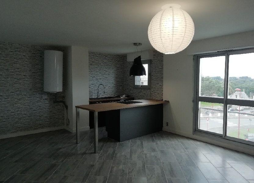Appartement à louer 60.75m2 à Rostrenen