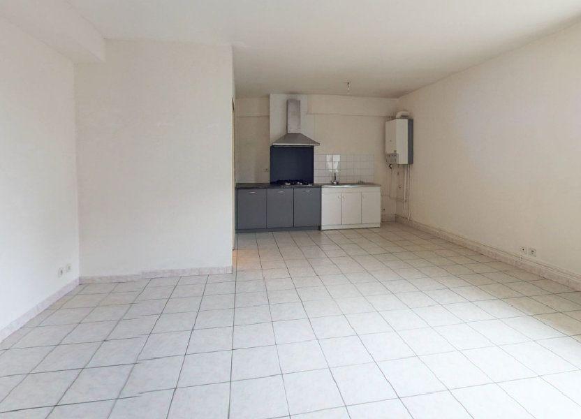 Appartement à louer 55.66m2 à Ploumagoar