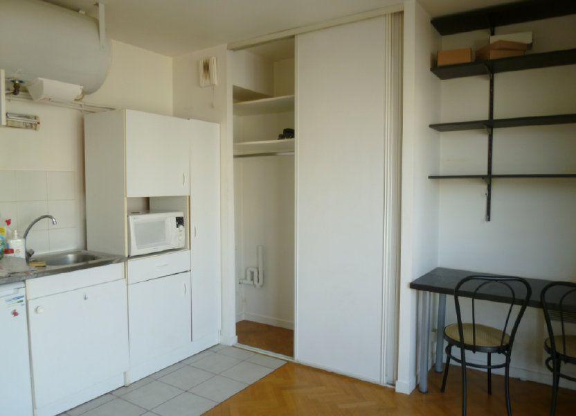 Appartement à louer 19.31m2 à Issy-les-Moulineaux