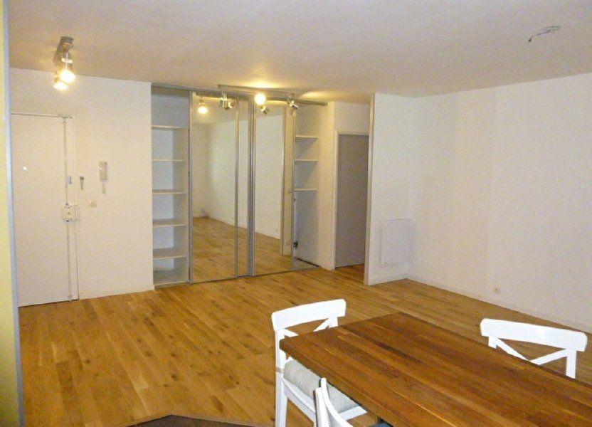 Appartement à louer 79m2 à Issy-les-Moulineaux