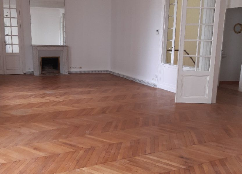 Appartement à louer 168.28m2 à Issy-les-Moulineaux