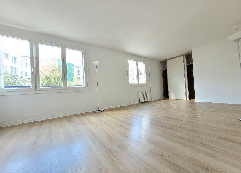 Appartement à louer 64.01m2 à Issy-les-Moulineaux