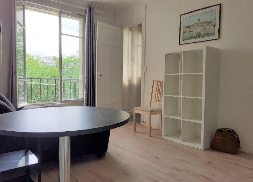 Appartement à louer 24.59m2 à Paris 15