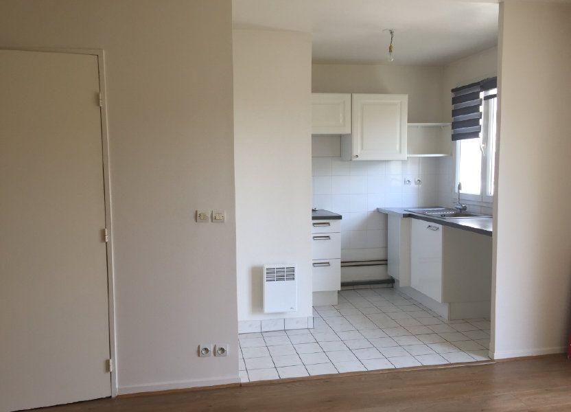 Appartement à louer 43.48m2 à Massy