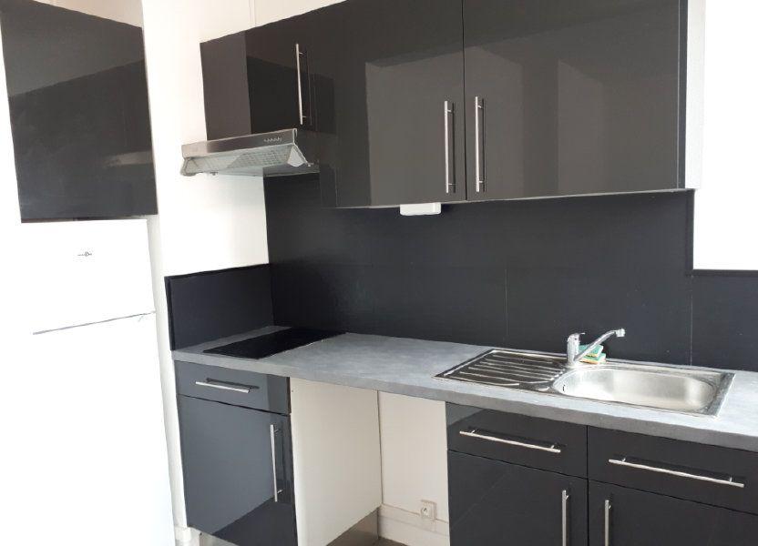 Appartement à louer 23.06m2 à Massy