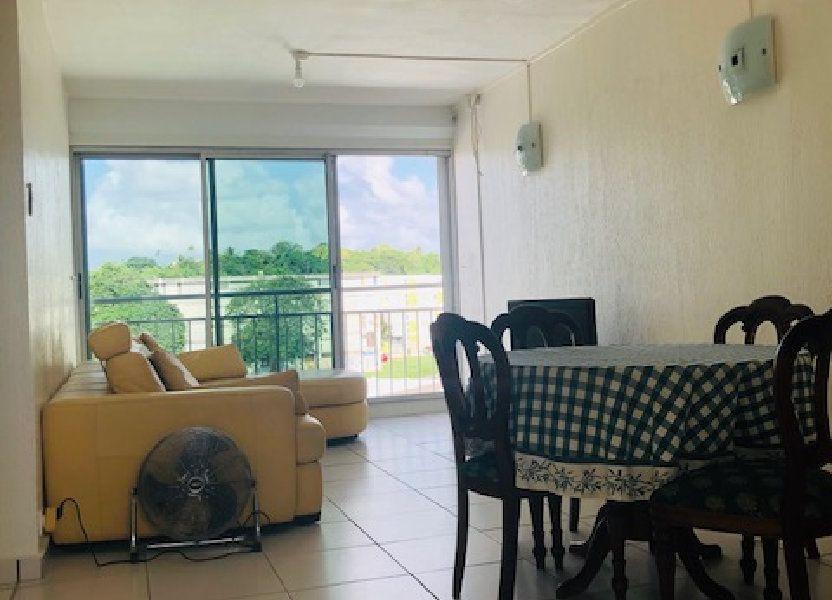 Appartement à louer 83m2 à Les Abymes