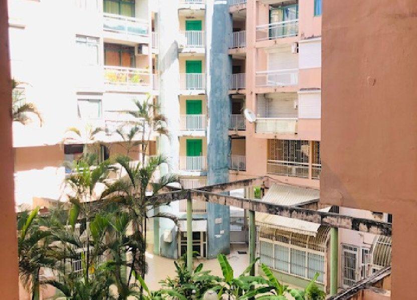 Appartement à louer 69.96m2 à Pointe-à-Pitre