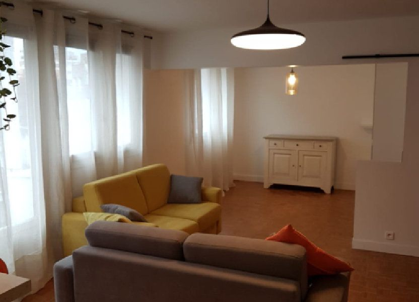 Appartement à louer 64m2 à Paris 13