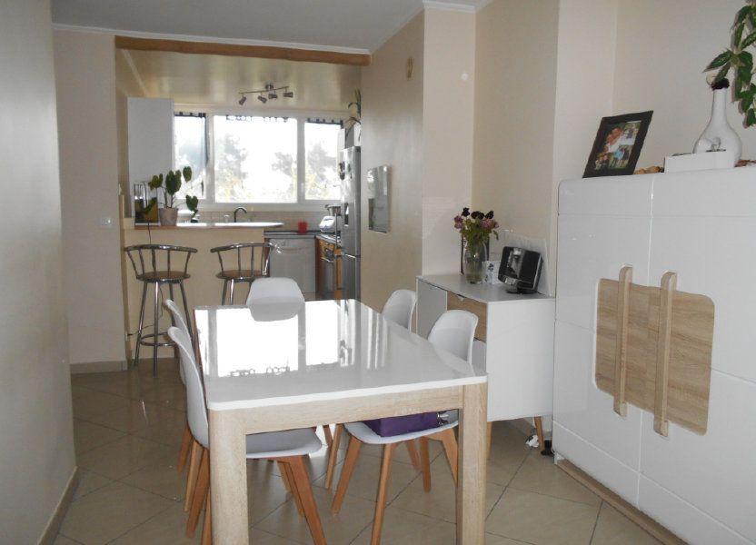 Appartement à vendre 66.11m2 à Les Ulis