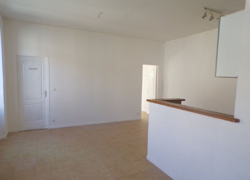 Appartement à louer 50.6m2 à La Tour-d'Aigues