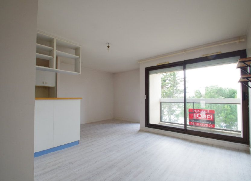 Appartement à louer 56.8m2 à La Rochelle