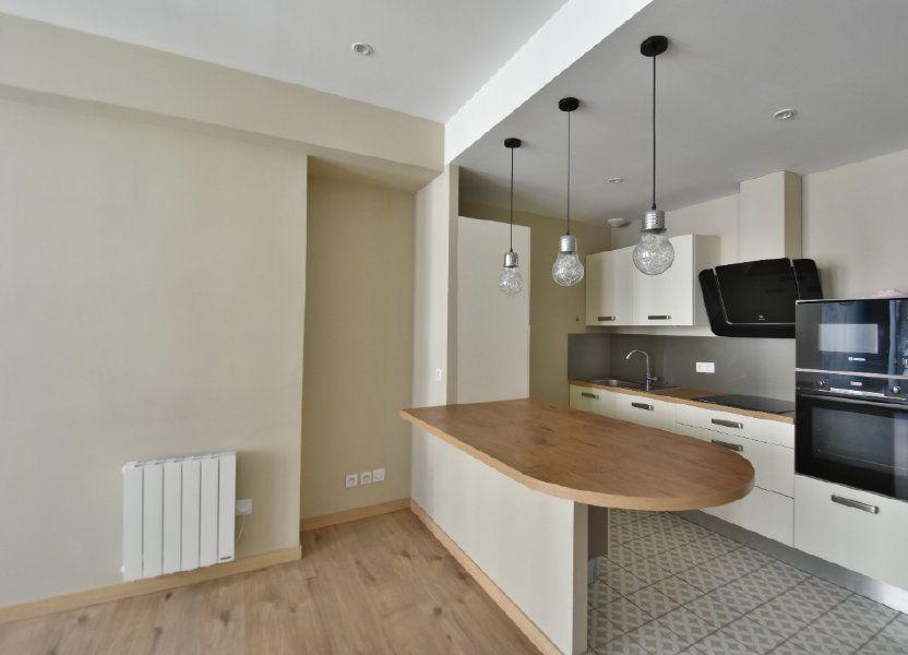 Appartement à louer 65.91m2 à Lyon 1