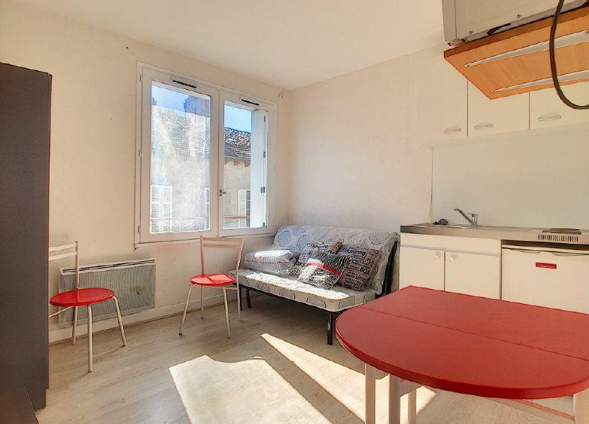 Appartement à louer 15.19m2 à Aurillac