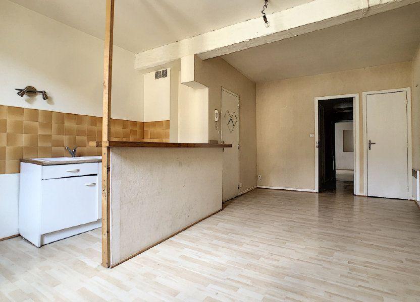 Appartement à louer 49.98m2 à Aurillac