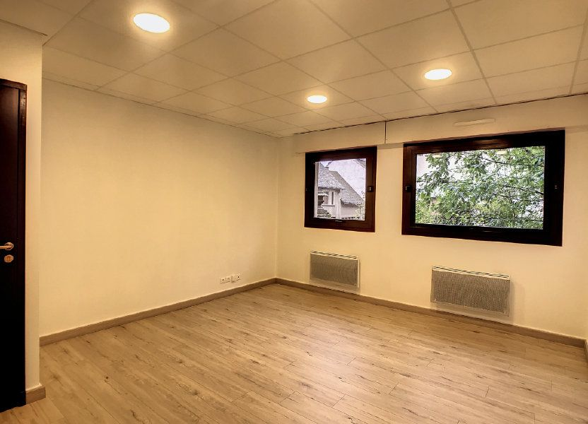 Appartement à louer 62.19m2 à Aurillac