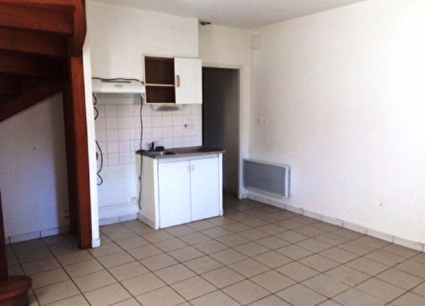 Appartement à louer 65m2 à Villeneuve-de-Marsan