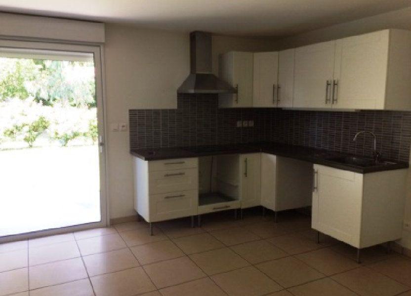 Maison à louer 81m2 à Benquet