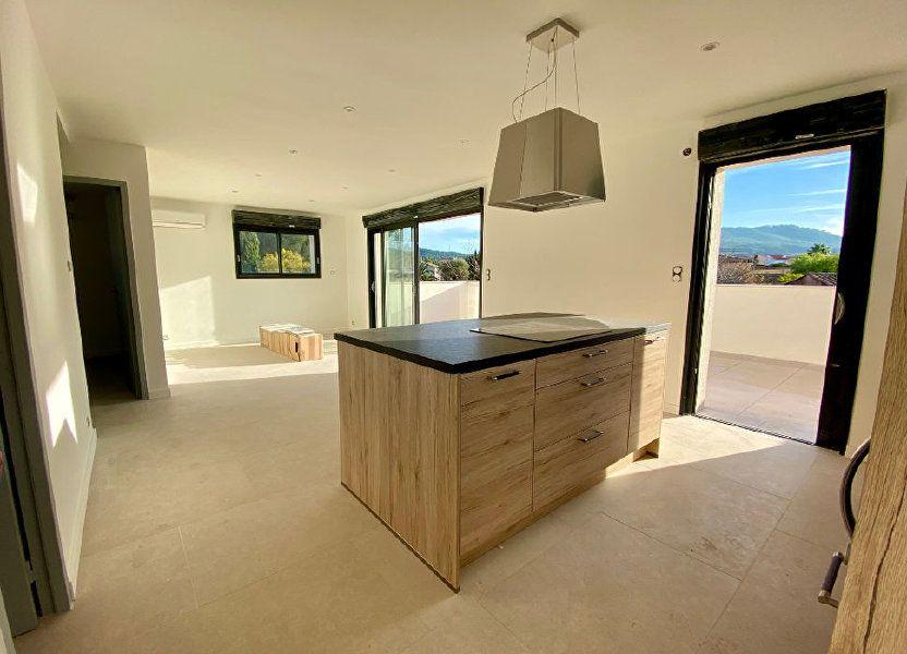 Appartement à vendre 63m2 à Saint-Cyr-sur-Mer
