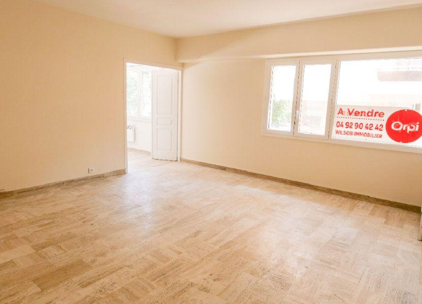 Appartement à louer 71.19m2 à Antibes