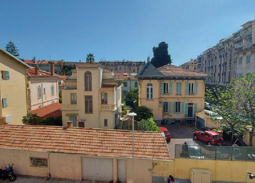 Appartement à louer 63m2 à Nice