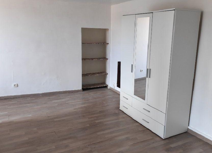 Appartement à louer 25m2 à Gattières