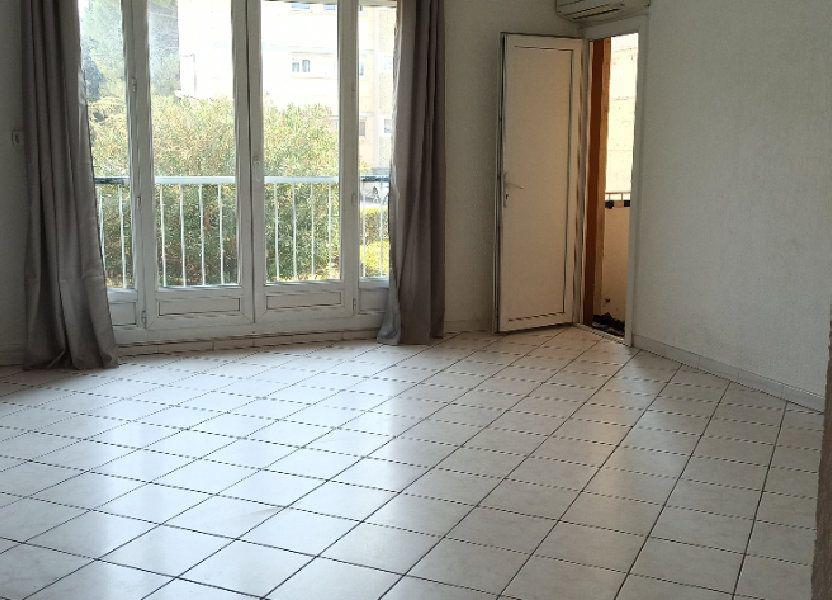 Appartement à louer 60.59m2 à Marignane