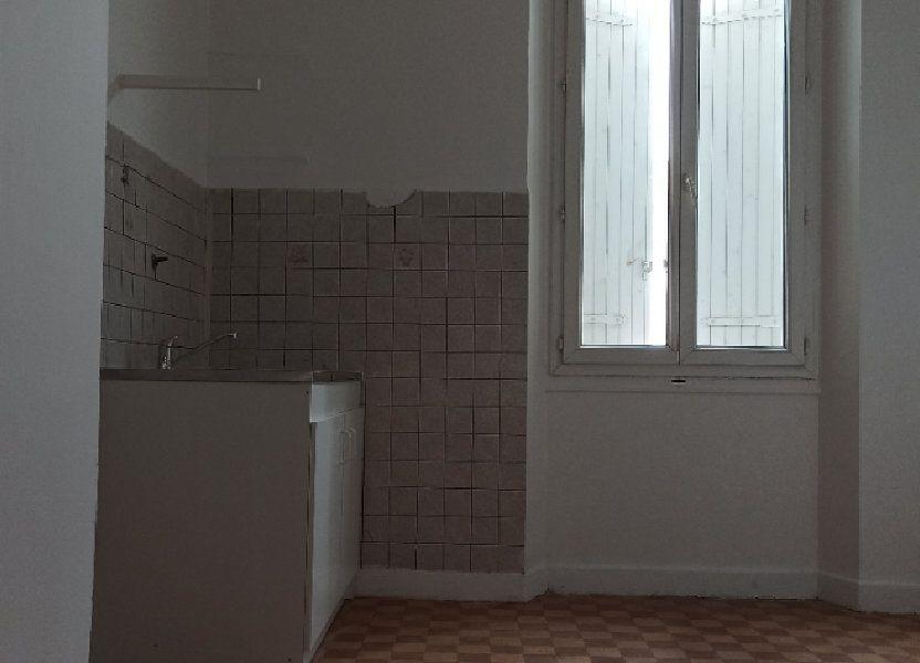 Appartement à louer 48m2 à Marignane