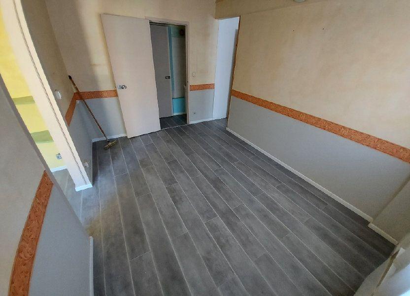 Appartement à louer 32.78m2 à Vitrolles