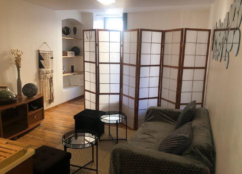 Appartement à louer 27.98m2 à Saint-Étienne-de-Saint-Geoirs
