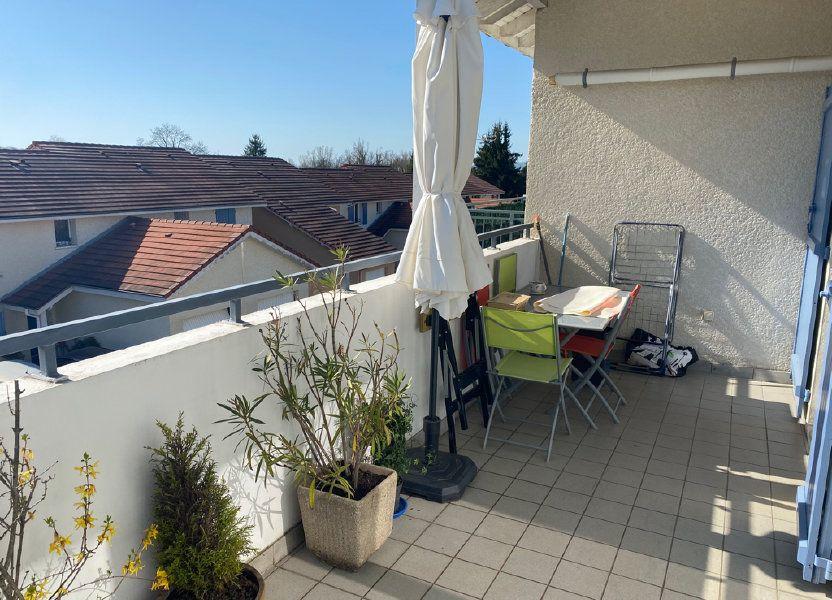 Appartement à vendre 103m2 à Saint-Étienne-de-Saint-Geoirs