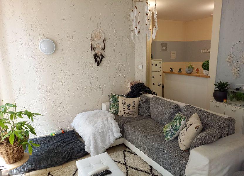 Appartement à vendre 65.5m2 à Saint-Étienne-de-Saint-Geoirs