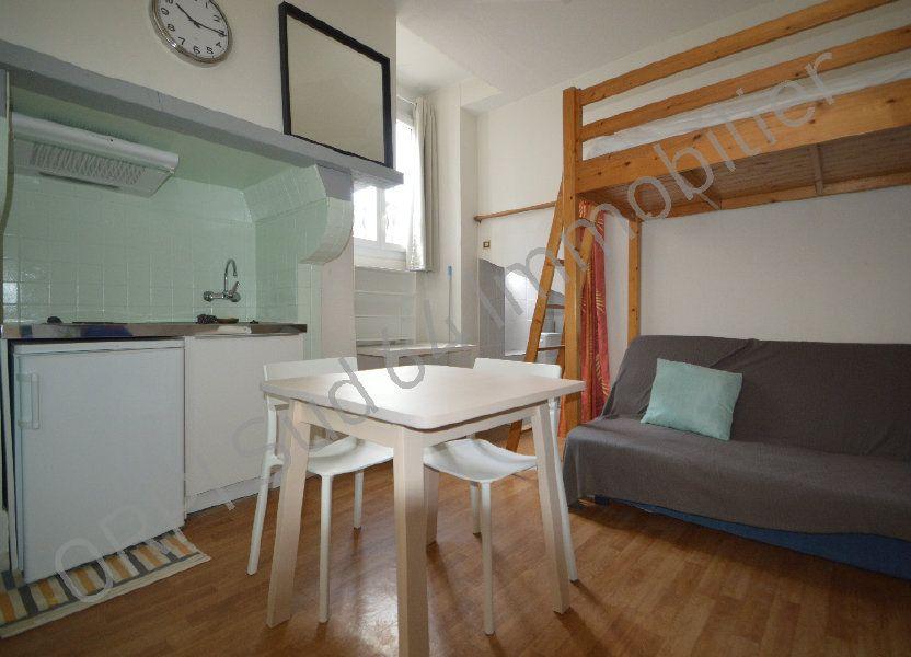 Appartement à louer 10.14m2 à Pau