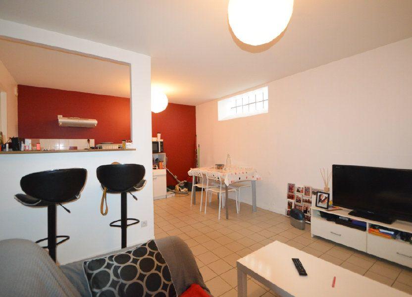 Appartement à louer 39.42m2 à Pau