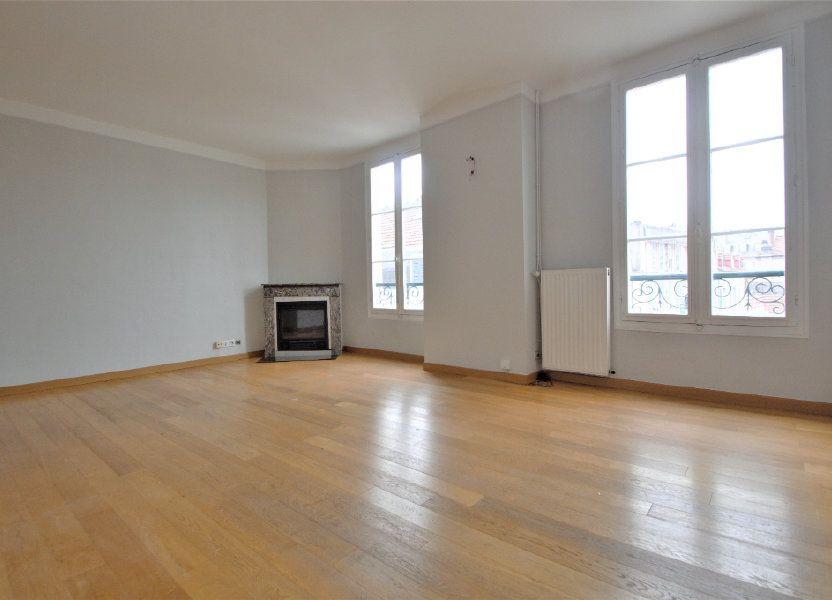 Appartement à louer 74.27m2 à Pau