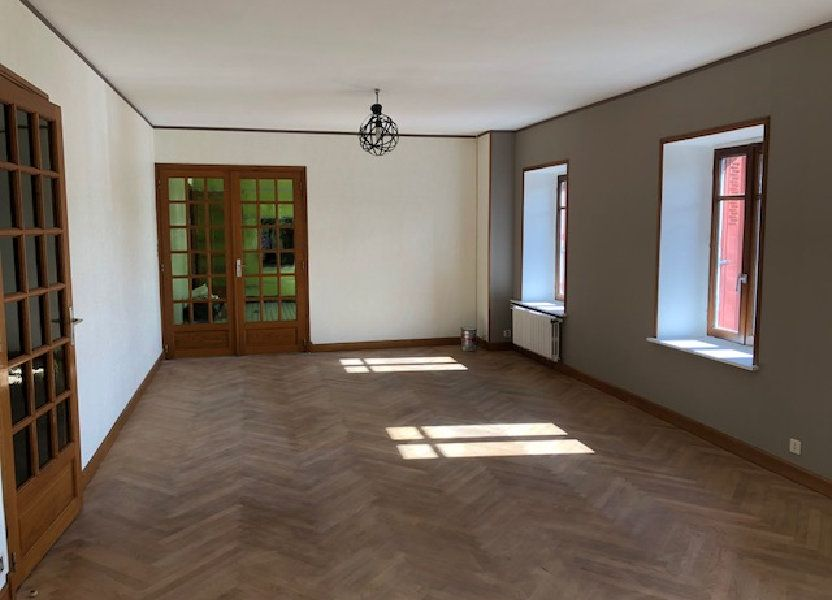 Appartement à louer 137.35m2 à Saint-Flour