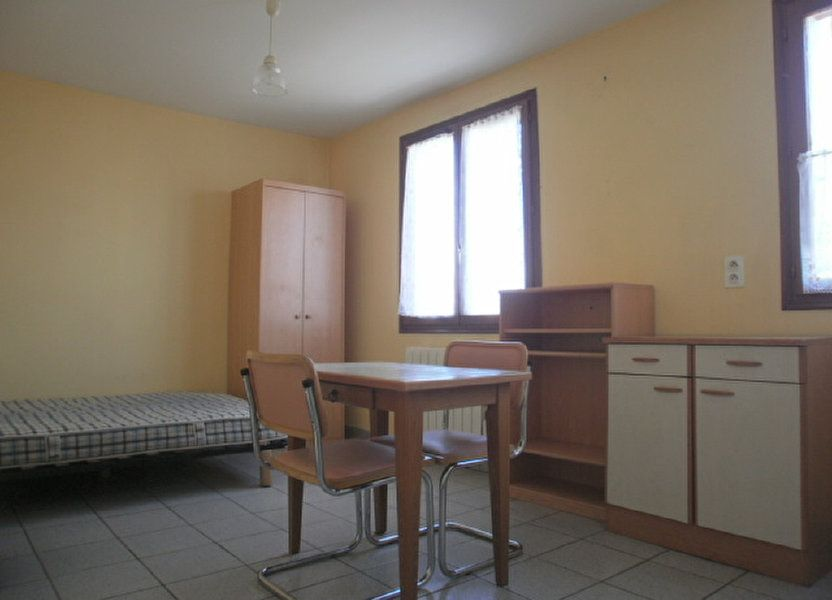 Appartement à louer 19.45m2 à Saint-Flour