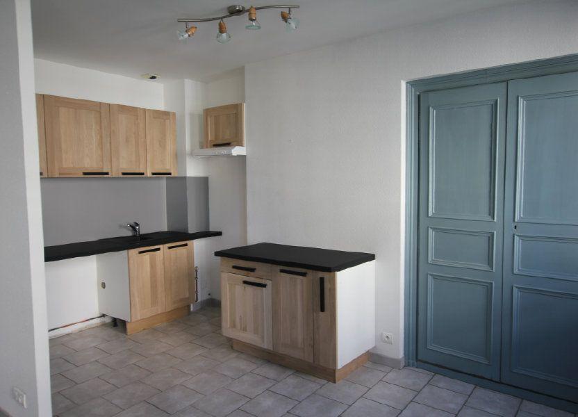Appartement à louer 60m2 à Saint-Flour