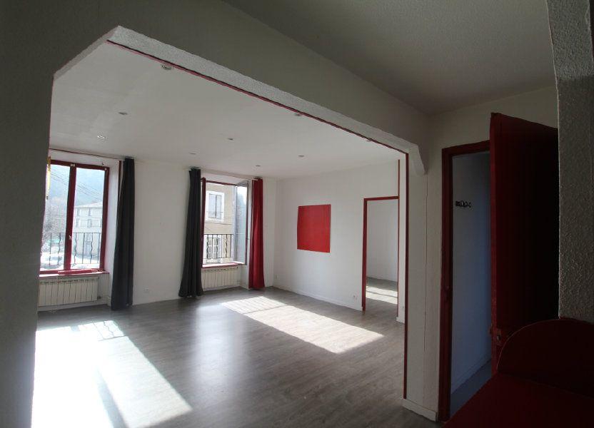 Appartement à louer 75m2 à Saint-Flour