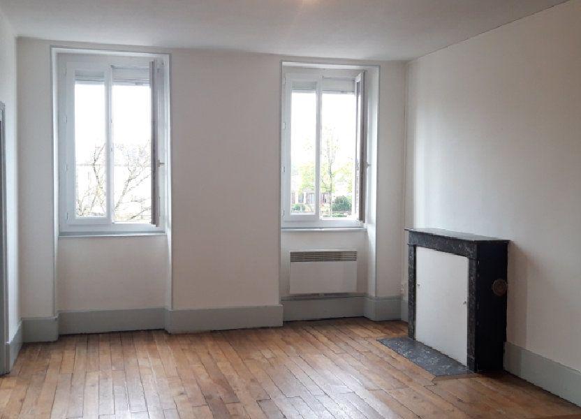 Appartement à louer 71.8m2 à Cercy-la-Tour