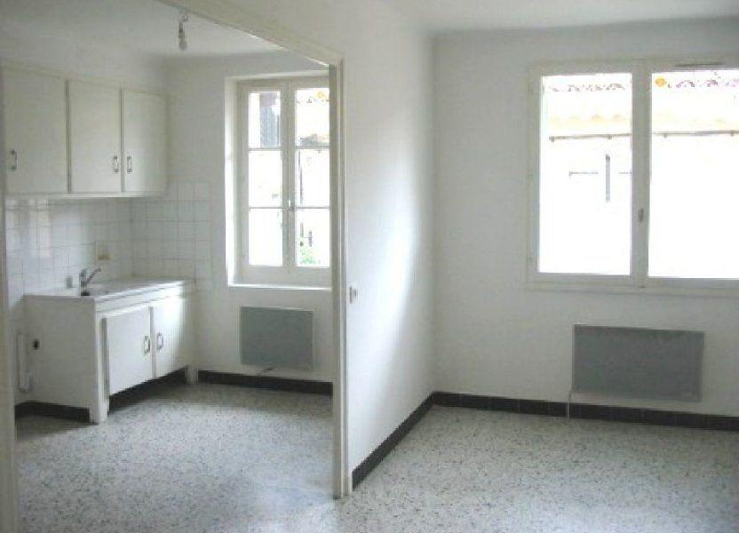 Appartement à louer 60m2 à Cadenet