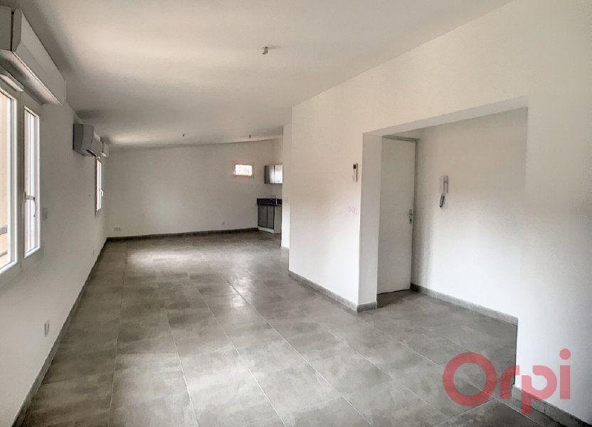 Appartement à louer 73.85m2 à Thuir