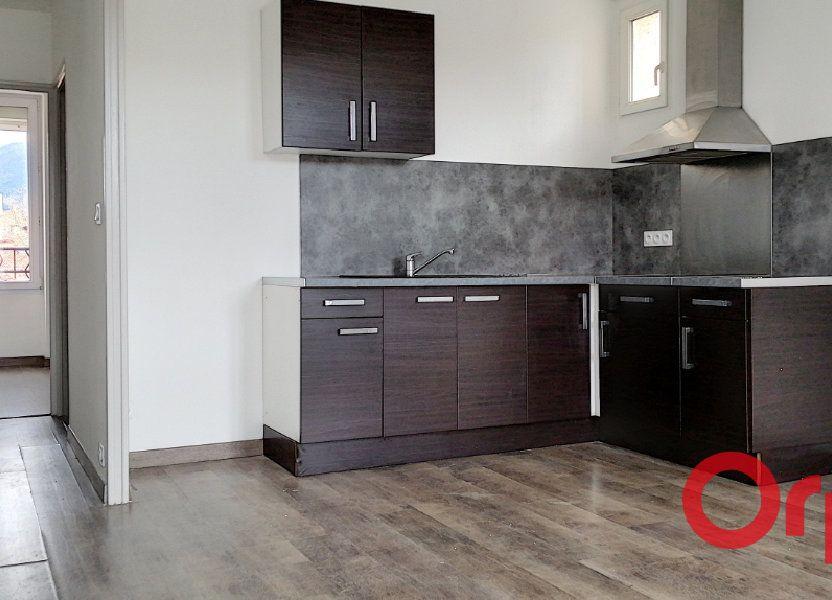 Appartement à louer 60m2 à Prades