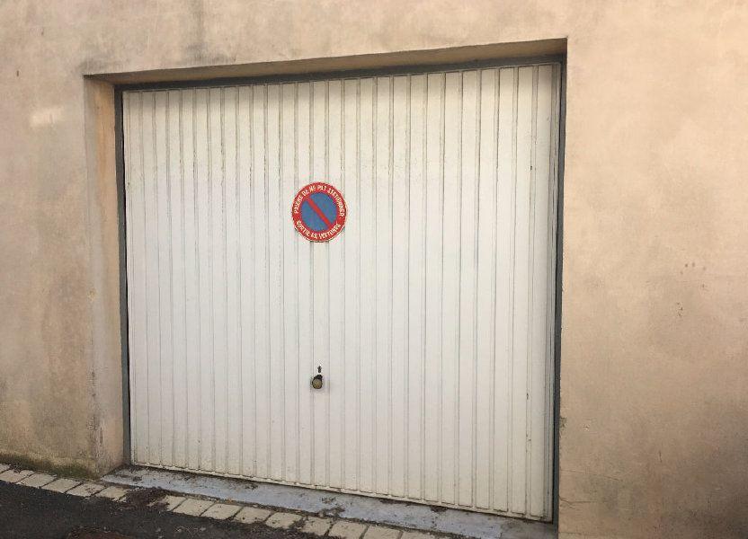 Stationnement à louer 13m2 à Surgères