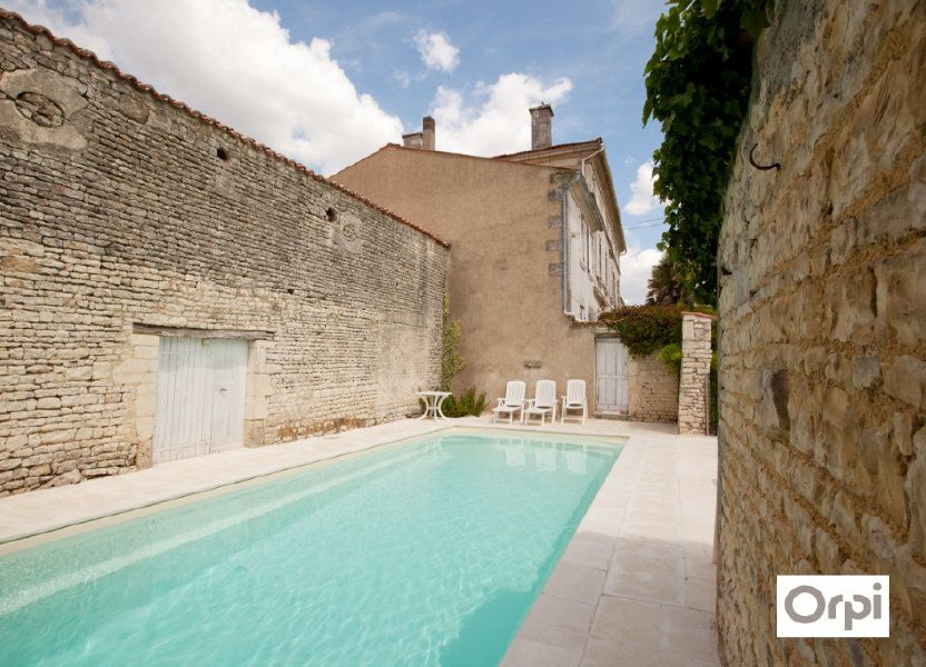 Maison à vendre 490m2 à Saint-Saturnin-du-Bois