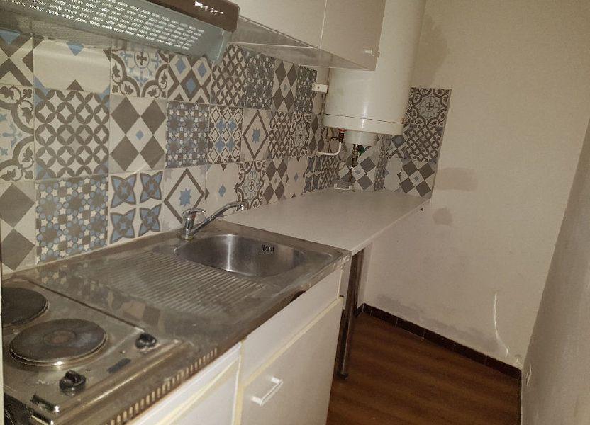 Appartement à louer 25m2 à Nîmes