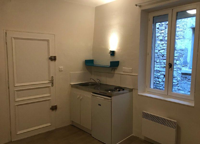 Appartement à louer 12m2 à Nîmes