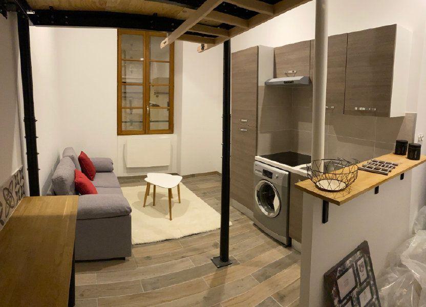 Appartement à louer 19m2 à Nîmes