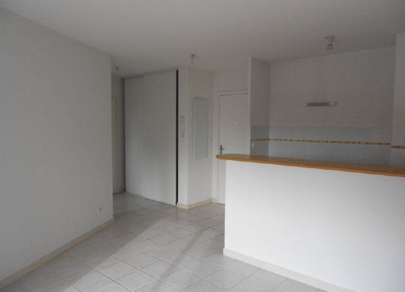 Appartement à louer 36.8m2 à Nîmes