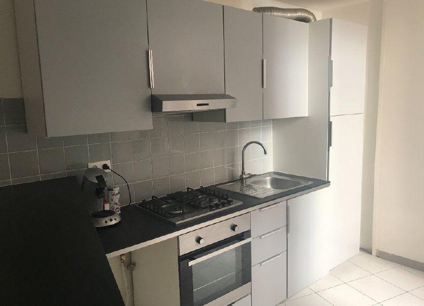 Appartement à louer 50m2 à Nîmes