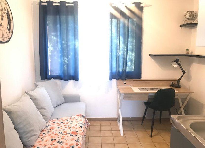 Appartement à louer 12.53m2 à Nîmes